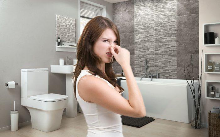 Nhà vệ sinh có mùi
